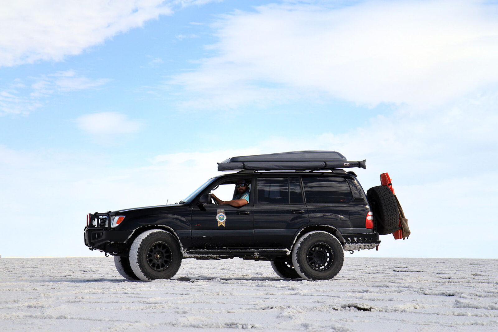 Lifted Toyota Land Cruiser 100 on 35s