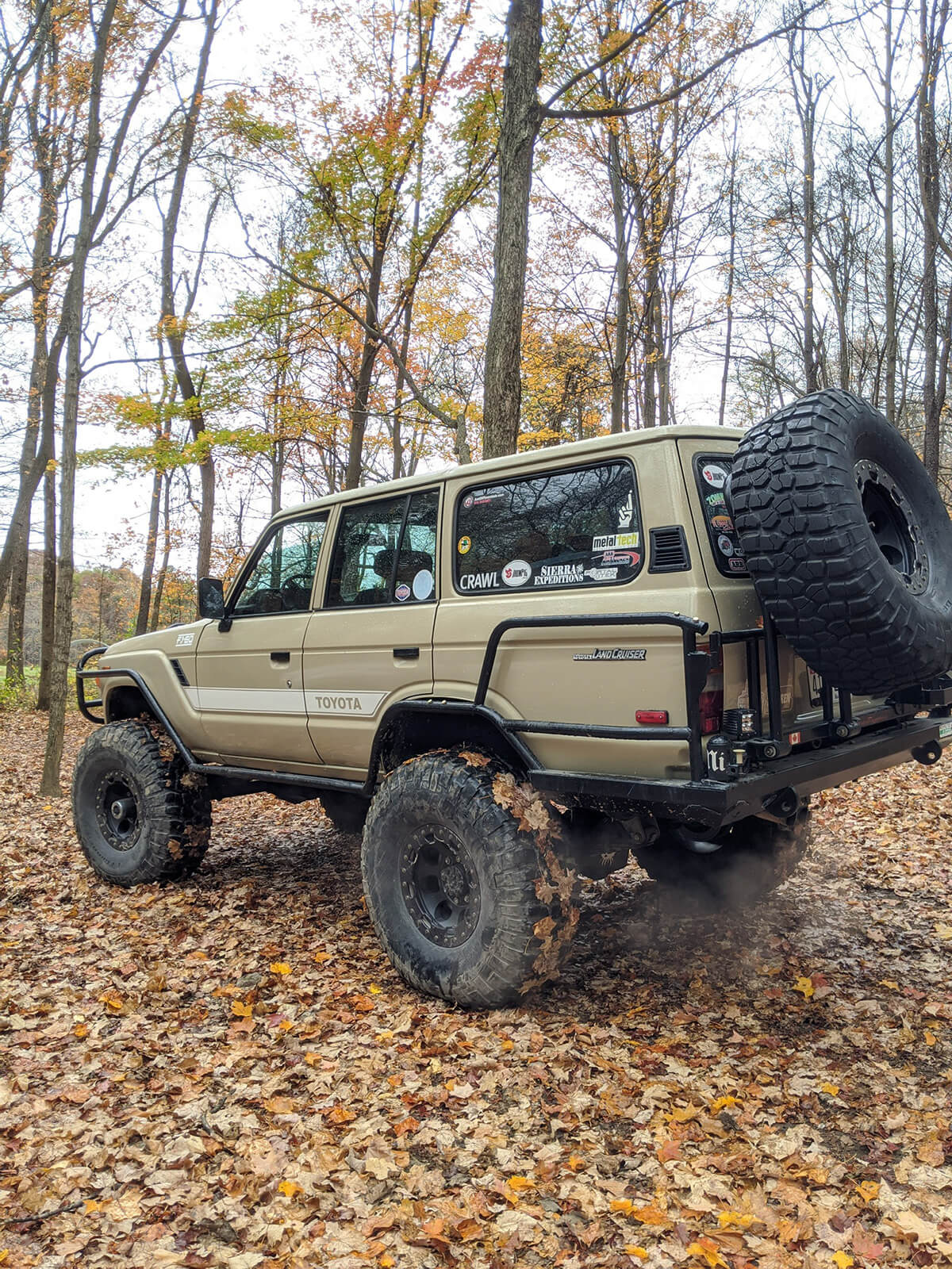 Land Cruiser 60 series on 40 inch wheels and 6 inch lift