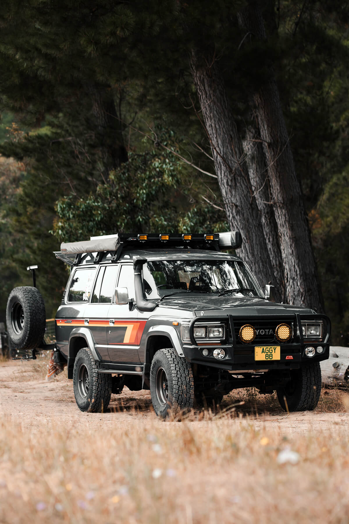 Rhino roof bars – Rola Titan flat rack