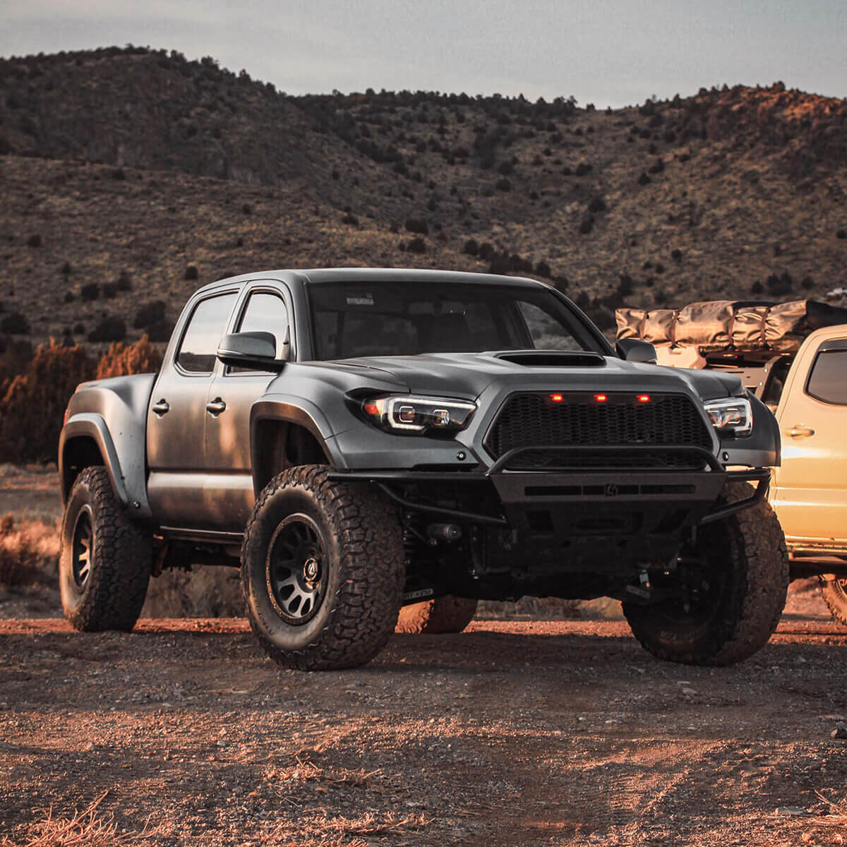 """Toyota Tacoma on 33s, 34""""s, or 35 Inch Tires – What Lift and Wheels To Pick"""