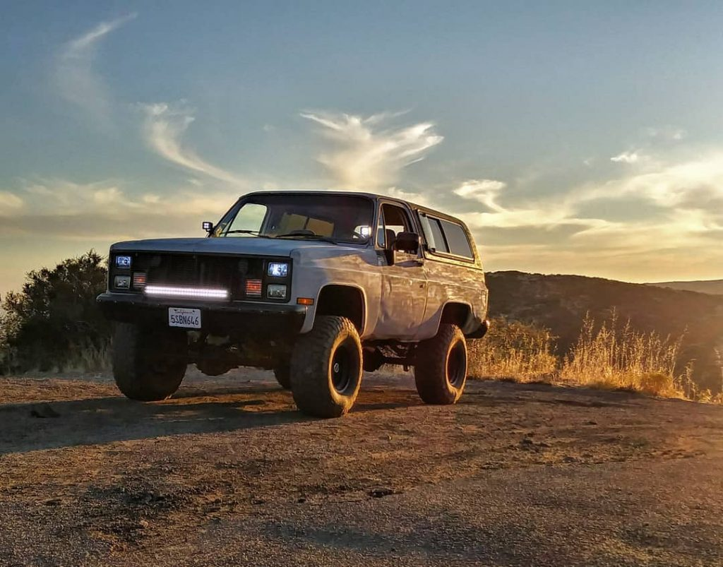 Badass lifted Chevy K5 Blazer Squarebody