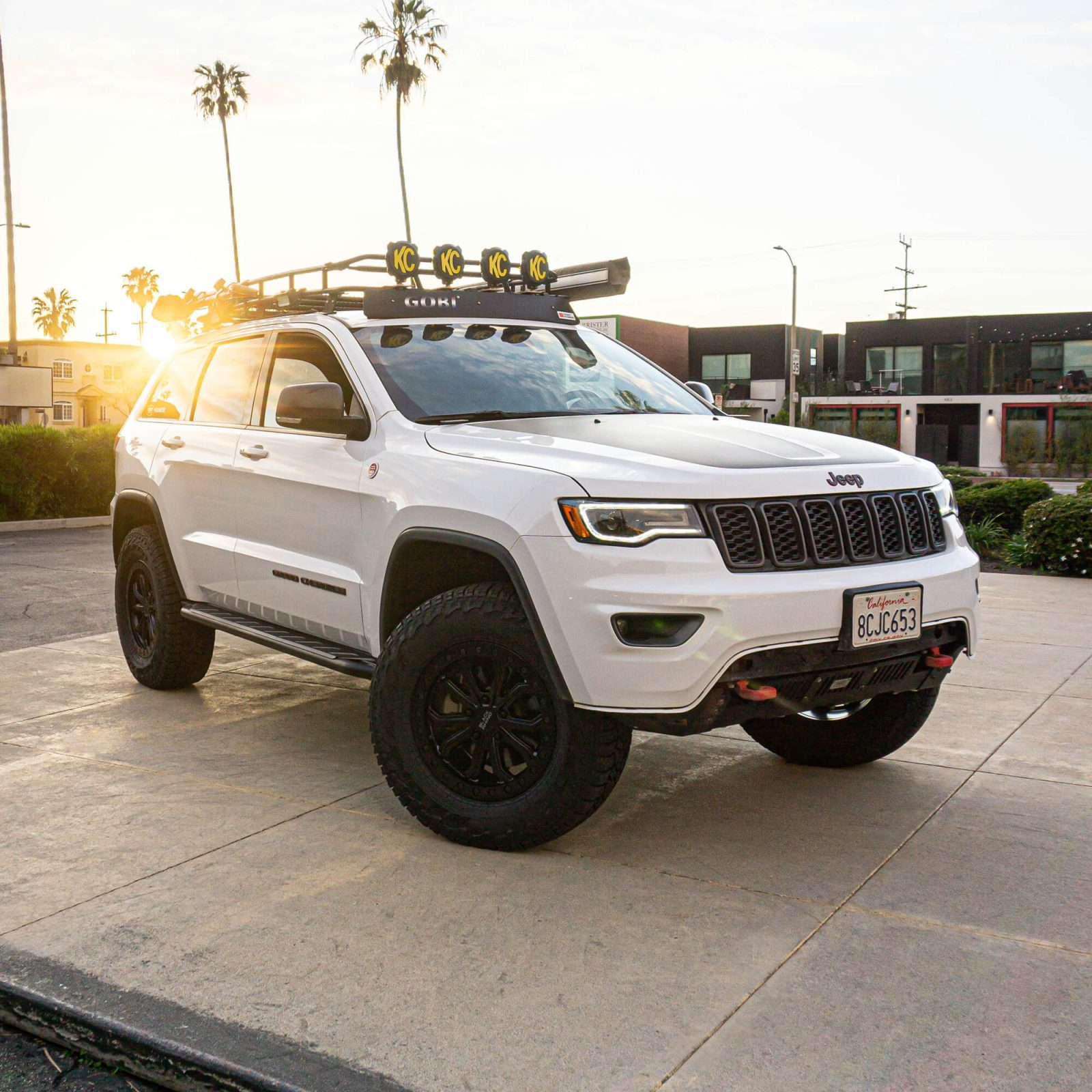 Lifted Jeep Grand Cherokee Trailhawk on 33s Modified for Overland Expeditions