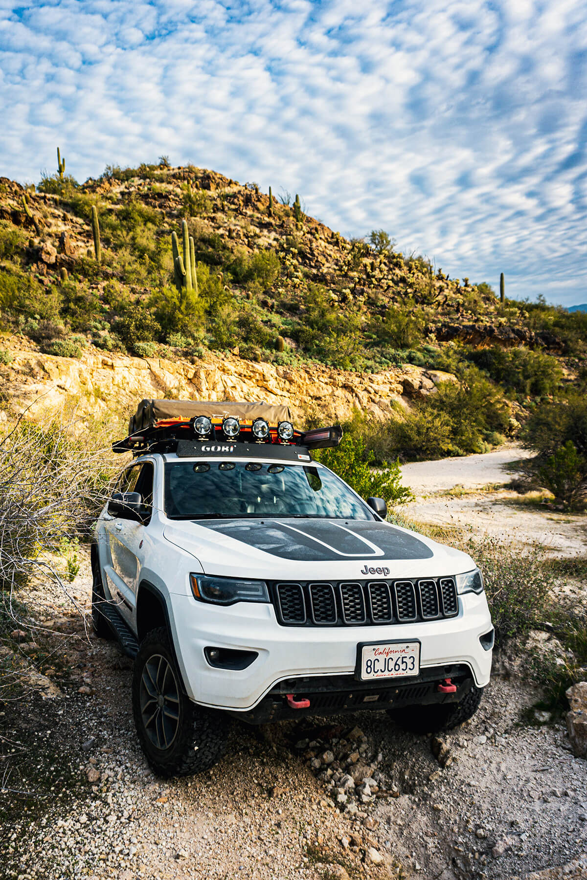 Lifted Jeep Grand Cherokee Trailhawk On 33s Modified For Overland Expeditions Offroadium Com