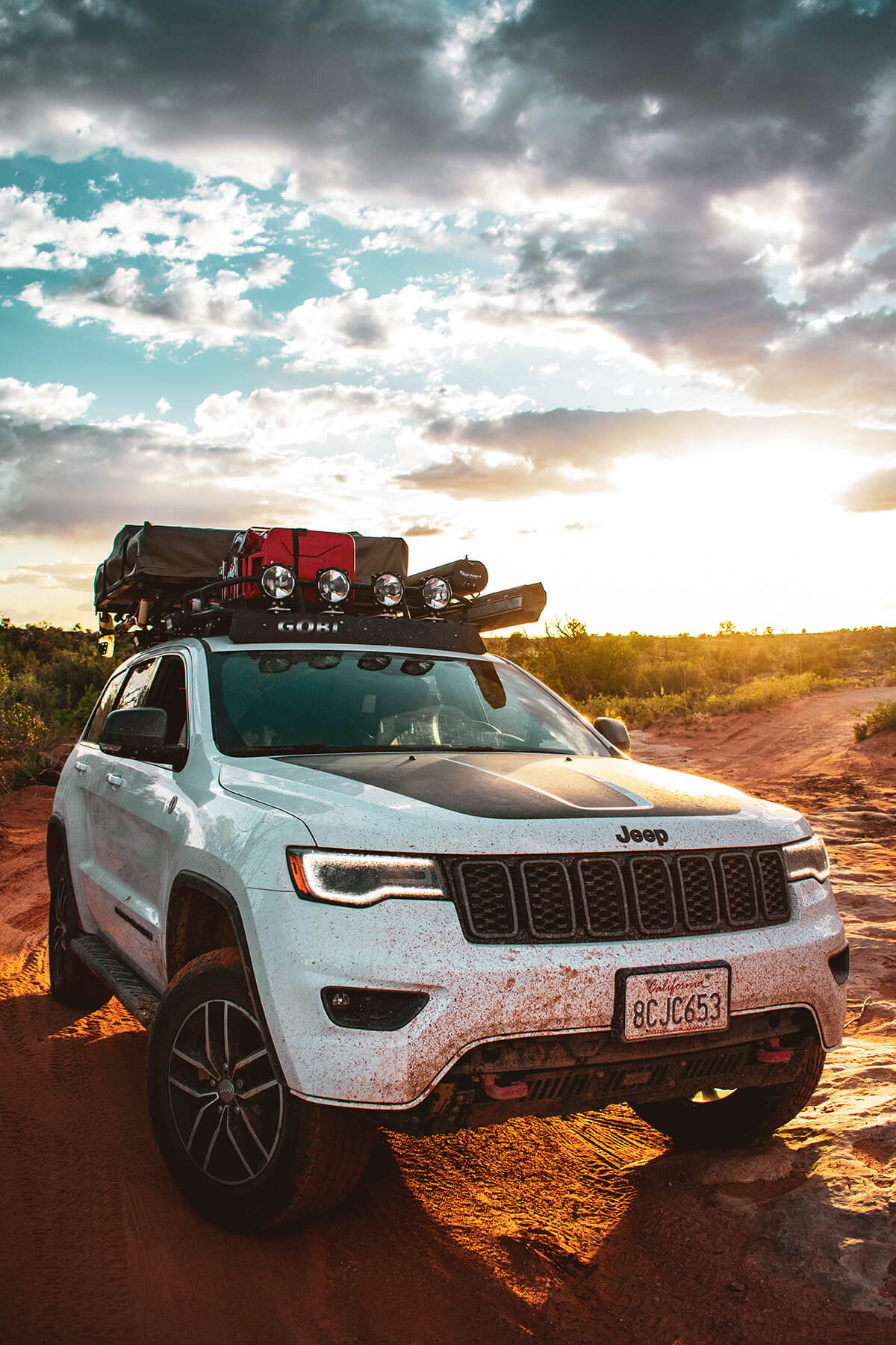 Lifted Jeep grand Cherokee on 33 inch tires