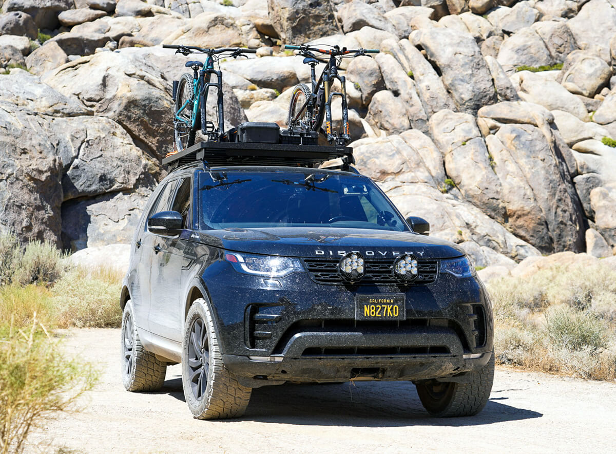 Lifted Land Rover Discover LR5 2017 - Roof rack with bike carrier