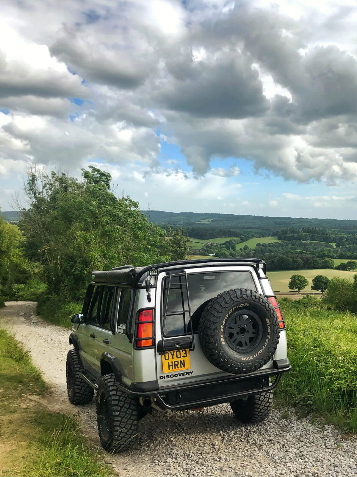 Land Rover Discovery 2 Big Spare tire