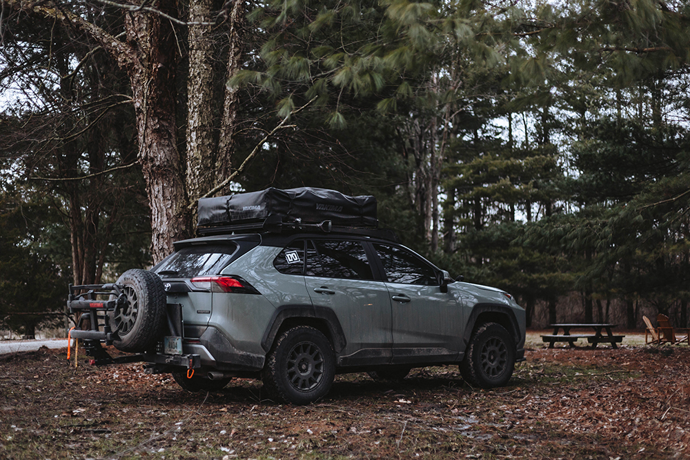 Lifted 2019 Toyota Rav4 with Yakima roof rack